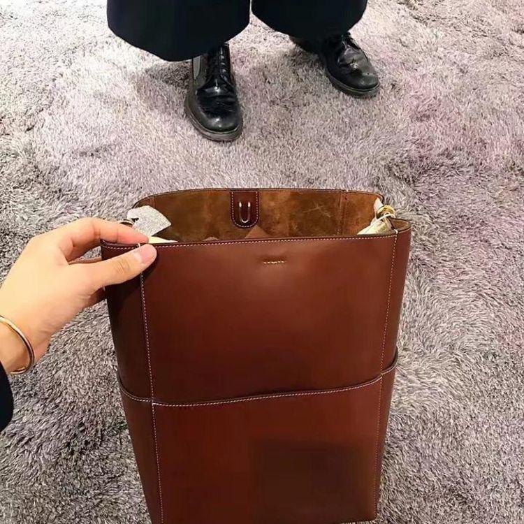 celine 賽琳水桶包圖片