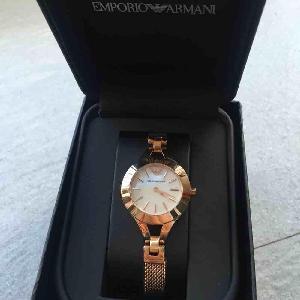 Armani阿玛尼玫瑰金色石英腕表