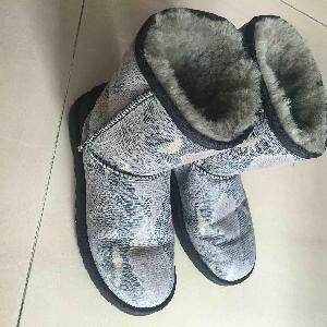 UGG时尚一体雪地靴