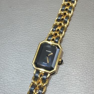 CHANEL香奈儿皮穿链黑金石英腕表