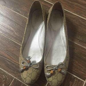 GUCCI古驰女士时尚平跟鞋