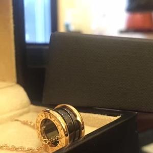 BVLGARI宝B.ZERO18k玫瑰金镶嵌黑陶瓷弹簧项链