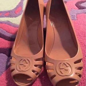 GUCCI古驰女士平跟鞋