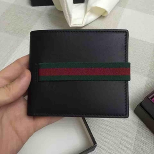 GUCCI古驰男士黑色小牛皮红绿条纹短款钱包