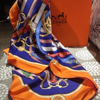 Hermes爱马仕女士真丝方巾