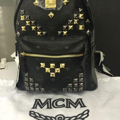 MCM铆钉小号双肩包
