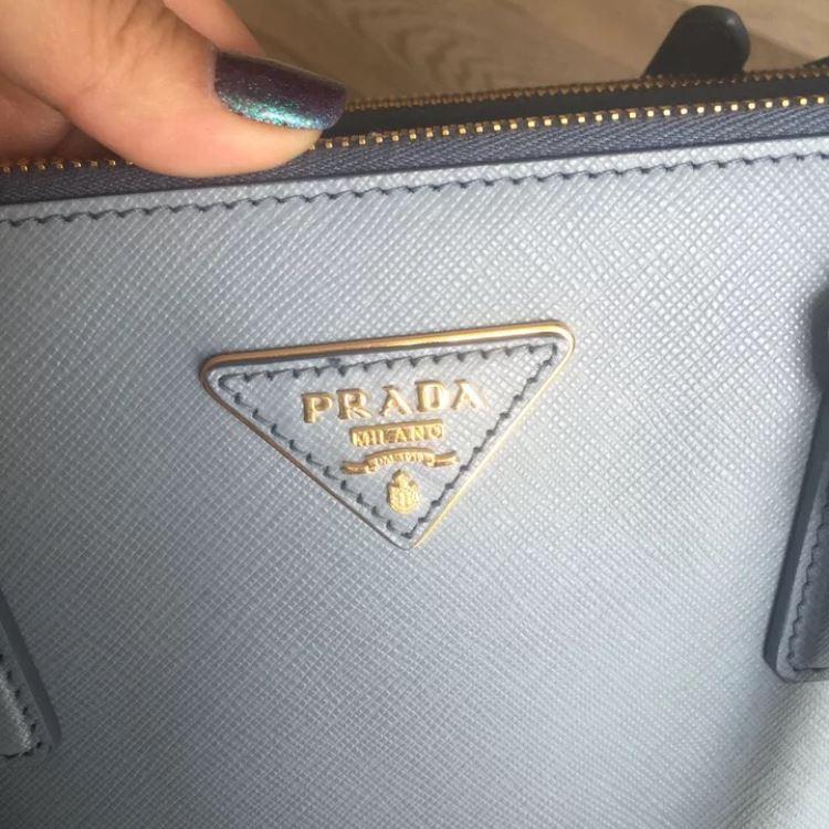PRADA普拉达十字纹手提包