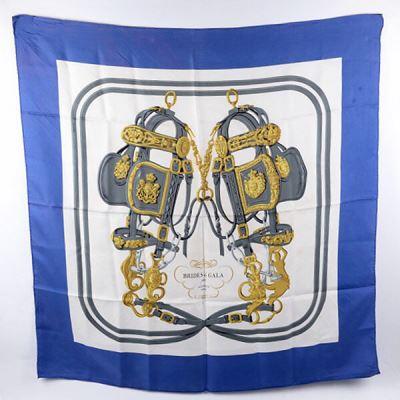 Hermes爱马仕真丝蓝色盛装马鞍时尚大方巾