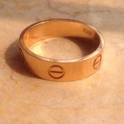 Cartier卡地亚宽版玫瑰金love戒指