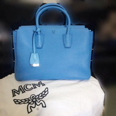 MCM Milla蓝色大号手提包