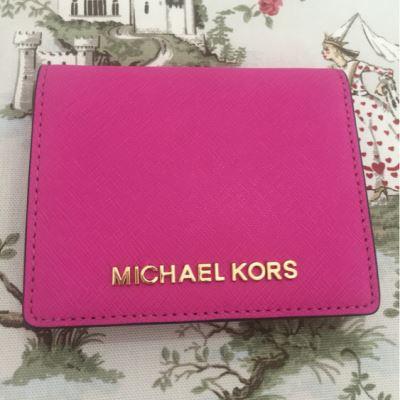MK十字纹玫红短款钱包