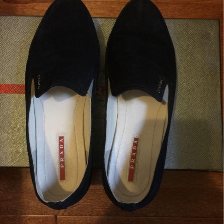 PRADA普拉达时尚休闲鞋
