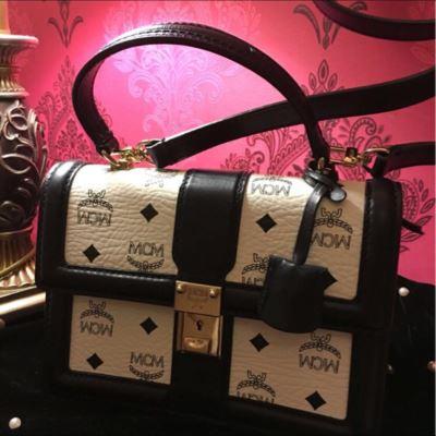 MCM经典款手提包