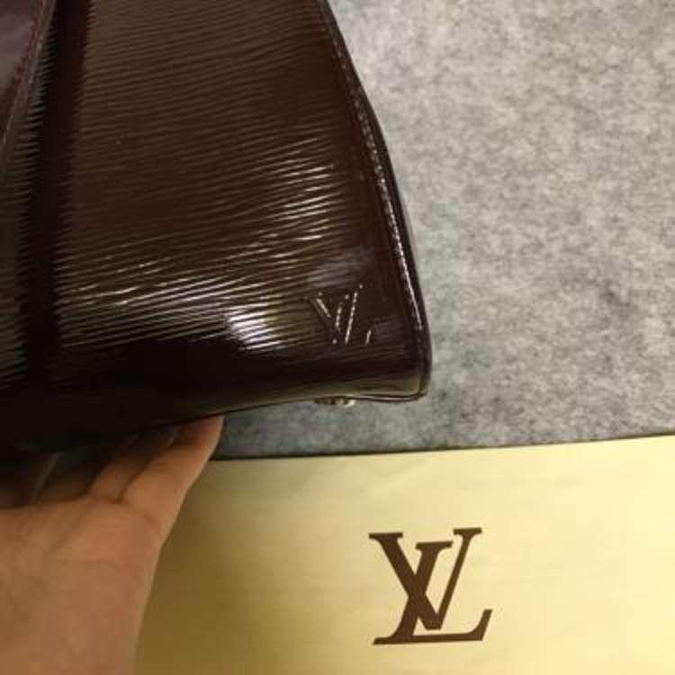 LV路易·威登brea漆皮水波纹中号手提袋