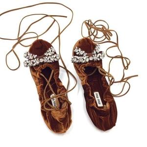MiuMiu缪缪棕色水晶绑带美鞋
