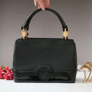 Versace范思哲黑金手提包