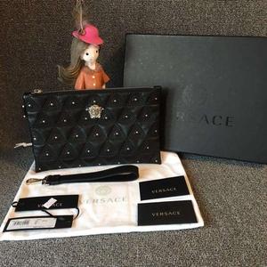 Versace范思哲黑色全皮铆钉手拿包