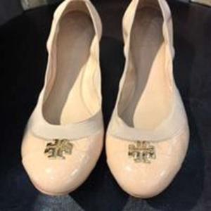 Tory Burch 托里·伯奇平跟鞋
