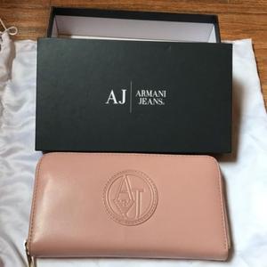 Armani 阿玛尼女士钱包