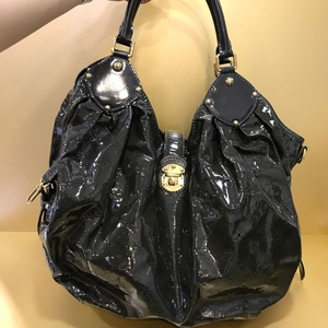 Louis Vuitton 路易·威登限量版洞洞款手提包