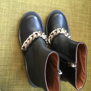 GIVENCHY 纪梵希女士靴子36码