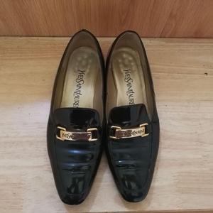 Yves Saint Laurent 伊夫·圣罗兰低跟鞋