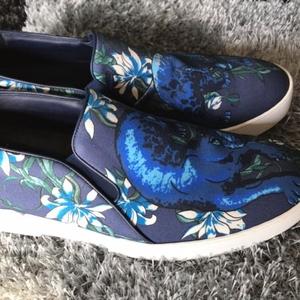 Louis Vuitton 路易·威登男士走秀限量版休闲鞋