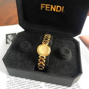 FENDI 芬迪金色石英机芯女士手表