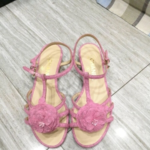 CHANEL 香奈儿粉色山茶花凉鞋