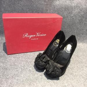 Roger Vivier 罗杰·维维亚黑色花朵反绒皮鱼嘴高跟鞋