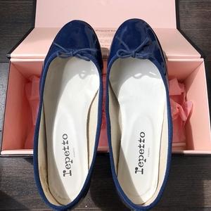 Repetto 丽派朵漆皮中跟芭蕾舞鞋