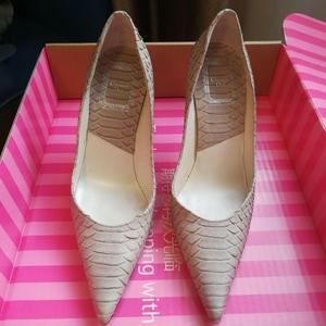 Dior 迪奥裸色高跟鞋