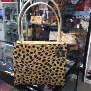 Dior 迪奥豹纹手提包