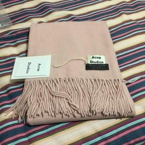 Acne Studios 艾克妮粉色围巾