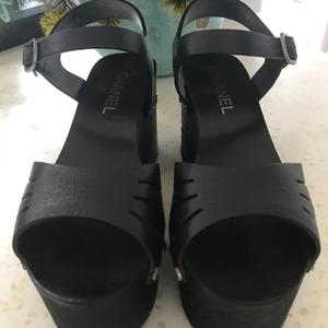 CHANEL 香奈儿厚底凉鞋