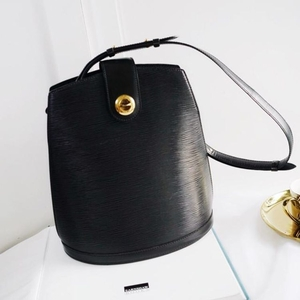Louis Vuitton 路易·威登黑色水波纹桶包单肩包