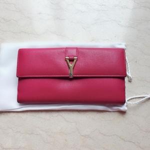 Yves Saint Laurent 伊夫·圣罗兰玫红色钱包