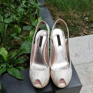 Louis Vuitton 路易·威登坡跟鞋高跟鞋