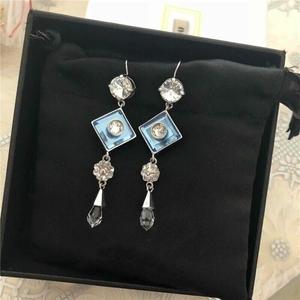 Miu Miu 缪缪蓝色水晶耳环