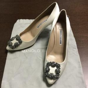 Manolo Blahnik香槟白高跟鞋