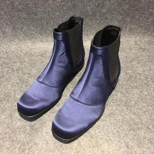 Roger vivier罗杰·维威耶丝绒蓝色裸踝靴子