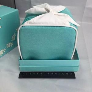 Tiffany & Co. 蒂芙尼化妆包