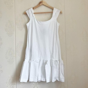 Miu Miu 缪缪女士白色连衣裙