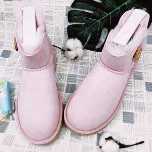 UGG藕粉色雪地靴