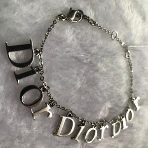 Dior 迪奥 logo大标经典款合金手链