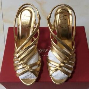Roger Vivier 罗杰·维维亚凉鞋37码