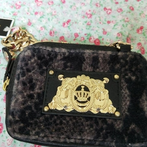 Juicy Couture 橘滋钱包