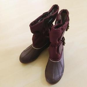 Burberry 博柏利雪地靴