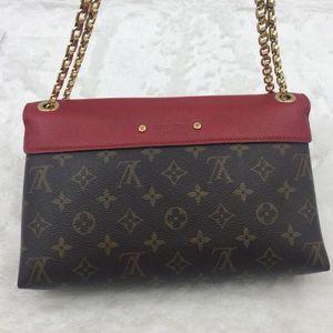 Louis Vuitton 路易·威登老花拼清新红色单肩包
