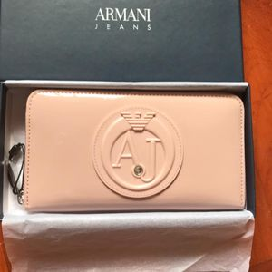 Armani Jeans 阿玛尼女士镶水钻裸色亮面拉链钱包